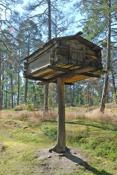 """""""A wood storage shed"""" to store meat and dried fish (Petsamo, Lapland, in the century), on an open-air museum of Seurasaari Island (Helsinki, Finland) Helsinki, Wood Storage Sheds, Lappland, Bird Houses, Tree Houses, Covered Bridges, Natural Life, Plein Air, Capital City"""