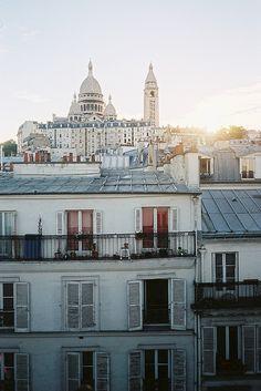 Paris - Le sacré-cœur à l'arrière plan