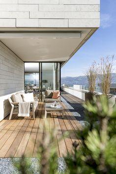 Terrasse mit Blick auf den See! Patio, Outdoor Decor, Design, Home Decor, Living Room, Lawn And Garden, Decoration Home, Room Decor