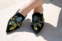 #mules #floral #embroidered #embroidery #fashionblogger #italianfashionblogger #fblogger #fbloggers #streetstyle #shoes #sandals #pointed #amemipiacecosi #francescafocarini