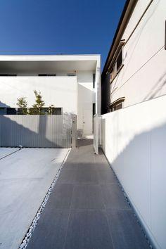 http://www.freedom.co.jp/architects/lowcost/ホワイトフレームハウス.html