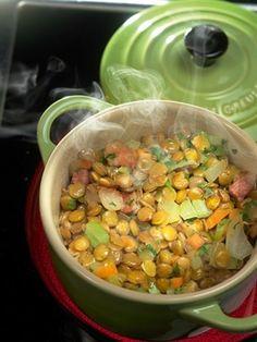 Зеленая чечевица с овощами Это классический французский гарнир, одинаково хорошо подходящий как к рыбе, так и к мясу (особенно к тунцу и сибасу, а также к баранине). Состав овощей может варьироваться, но технология в любом случае похожая. Сальса, Овощи, Кулинария, Еда
