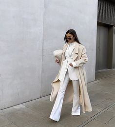 Winter Fashion Outfits, Modest Fashion, Look Fashion, Hijab Fashion, Autumn Winter Fashion, White Outfits, Classy Outfits, Trendy Outfits, Looks Chic