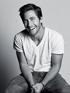 WOW! An amazing new weight loss product sponsored by Pinterest! It worked for me and I didnt even change my diet! Here is where I got it from cutsix.com - Jake Gyllenhaal