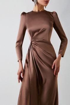 Elegant Outfit, Classy Dress, Classy Outfits, Elegant Dresses, Pretty Dresses, Beautiful Dresses, Chic Dress, Modesty Fashion, Muslim Fashion