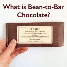 """Est-ce que vous savez que tous les chocolatiers ne réalisent pas leurs tablettes à partir de fèves de cacao ? Certains produisent en effet leurs chocolats à partir de pâte de cacao prête (il s'agit de fèves broyées) voire de chocolat industriel dit """"de couverture"""" sont ajoutés d'autres ingrédients avant la transformation en tablettes  En anglais on distingue ainsi les """"bean-to-bar chocolate-makers"""" des """"chocolatiers"""". Pour en savoir plus RDV sur mon blog consacré au chocolat…"""