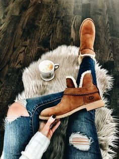 modern outfits ideas for women that will make you look cool 43 Cute Fall Outfits, Fall Winter Outfits, Autumn Winter Fashion, Winter Fashion Boots, Cute Shoes, Me Too Shoes, Look Fashion, Womens Fashion, Hippie Chic