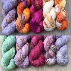 57 отметок «Нравится», 1 комментариев — Savvy Skeins (@savvyskeins) в Instagram: «Next two kits! #jojimysterykal #jojimysterywrap #indiedyer #indiedyedyarn #knitting #mysteryknit…»
