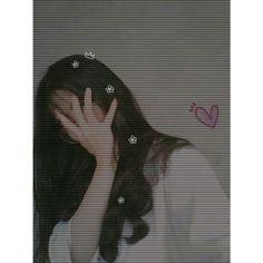 Cute Girl Poses, Girl Photo Poses, Girl Photos, Cute Girls, Ulzzang Korean Girl, Cute Korean Girl, Teenage Girl Photography, Girl Photography Poses, Girl Hiding Face