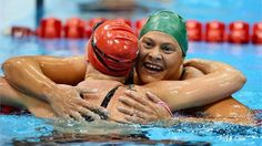 Natalie du Toit of South Africa celebrates gold Great Britain, South Africa, Athlete, London, Celebrities, Sports, Gold, Hs Sports, Celebs
