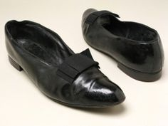 Men's evening shoes, 1840's-50's England, Manchester City Galleries