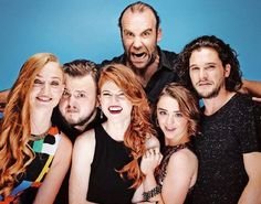 Sophie Turner (Sansa Stark), John Bradley (Samwell Tarly), Rose Leslie (Ygritte), Rory McCann (Sandor Clegane), Maisie Williams (Arya Stark), Kit Harrington (Jon Snow)