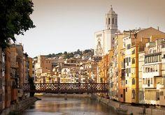 Gu Reisezeit von Girona. Befindet sich die finden Sie in unserem gu von Gerona: Orte zu besuchen, Gastronom, Parteien...