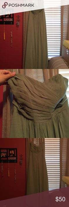 Unaltered Bridesmaid Dress Sweetheart strapless celadon green bridesmaid dress. It is completely lined. It is a size 16 but it fits a 12 at the largest. It is completely unaltered in length or anywhere on the dress. A few spots on it from wear that would be gone if dry cleaned jasmine Dresses Strapless