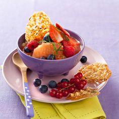 Gaspacho de fruits, croustillants au thym