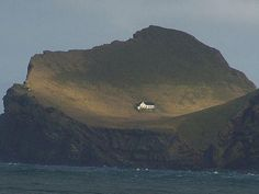The mayor of Iceland gave Bjork this special house in Iceland. Its a little island actually, its not part of Iceland. So Bjork really lives in her own country. This is Bjork's house. With her voice she deserves her own island. The Places Youll Go, Places To See, Bratislava, Beautiful Places, Beautiful Boys, Scenery, Around The Worlds, Earth, Architecture