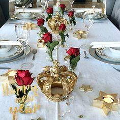 ⭐️✨⭐️ Godt nyttår kjære venner ⭐️✨⭐️ Happy new year ⭐️✨⭐️ Venter middagsgjester i dag også jeg 😊💛 Har hatt en flott jule-og nyttårshelg sammen med familie og venner 💛 Er så takknemlig for å ha alle disse i mitt liv 😍💛 God 1.nyttårsdag kjære venner 😘 #intetior125 #interior12follow #home_and_decor1 #pretty_home #interiorharmoni #inspohome #borddekking #tablesetting #interior444 #interiorandhome #interior4you1 #passion4interior #paradisetinterior #kava_interior #sweetinterior91…