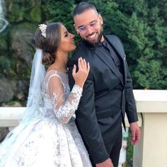 WoW WoW WoW Mashallah ce couple me fait rêver il sont tellement Beaux en un reg… WoW WoW WoW Mashallah this couple makes me dream he is so beautiful in one look he understands himself Nore # Wedding Pics, Dream Wedding, Wedding Happy, Wedding Bells, Afghani Clothes, Relationship Goals Tumblr, Pronovias, Foto Casual, Bridal Gowns