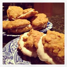 RECIPE: Gluten Free Pumpkin Oatmeal Cream Cookies