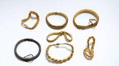 Arqueólogos amateur encontraron el mayor tesoro de oro de los vikingos – AB Magazine