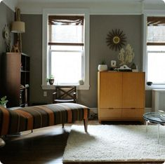 color and good idea for top of walls extended...