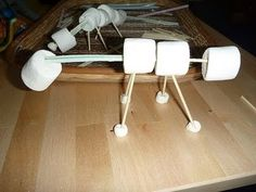 The Homeschool Den: Dinosaur Body Structure Activity -- Marshmellows, Straws and Skewers