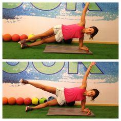 Prancha lateral  Posição inicial: deitar de lado e apoiar o cotovelo no chão.  Posição final: com o corpo alinhado, subir o quadril e manter o quadril fora do chão por 20 a 30 segundos, concentrando toda a força nos mÚsculos estabilizadores do tronco; trocar de lado. Para um nível avançado, elevar a perna de cima e sustentar a perna no ar, estendida, durante o exercício.  #tips4life