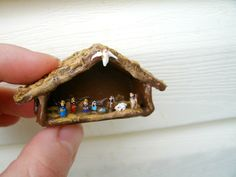 miniature nativity scene made from grains All Things Christmas, Christmas Holidays, Christmas Decorations, Christmas Ideas, Miniature Christmas, Christmas Nativity, Jesus In A Manger, Nativity Crafts, Nativity Ornaments