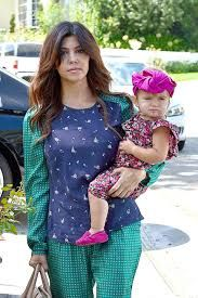 Kourtney Kardashian & her Turban Tot Kourtney Kardashian, Kardashian Style, Reality Tv Stars, Celebrity Babies, Celebs, Celebrities, Turban, Harajuku, Culture