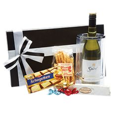 Good Food & Wine Hamper - Year End Gifts http://www.ignitionmarketing.co.za/year-end-gifts