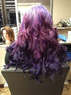 I just want to run my hands through this purple hair!!! The texture looks like it would feel like purple... all wavy and soft with threads of hair slipping though the insides of my fingers!!!