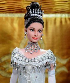 OOAK Barbie Doll as Audrey Hepburn in My Fair Lady at the Embassy Ball by Noel Cruz Publicado el 05 octubre 2012 por Barbiecollector