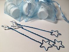 New star-shaped bubble wands! Great for a Cinderella party...think fairy godmother and glass slippers. Also great for Frozen, Brave, Maleficent, Oz, and other party themes...and weddings! Available in many colors, other shapes, and any quantity.