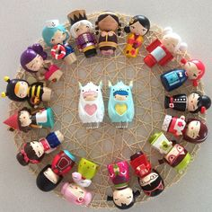 A cute circle of Momiji dolls! I WANT THEM ALL.