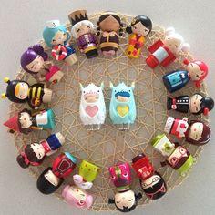 A cute circle of Momiji dolls! I WANT THEM ALL.