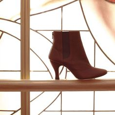 Winter time! Your Winter fantasy fulfilled! The 'Chimene' elegant elastic ankle boots is available on www.repetto.com and in the Repetto boutiques. #Repetto #Boots #NewCollection Winter Time, Boutiques, Ankle Boots, Delicate, Feminine, Ballet, Booty, Fantasy, Elegant