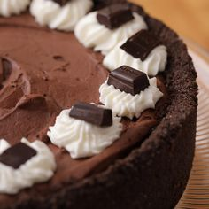 Summer won't be complete without this chocolatey staple! Made with GODIVA Signature Minibars, this icebox pie is the sweet treat no one will be able to resist, trust us. #AD Chocolate Icebox Pie Recipe, Chocolate Pies, Chocolate Shapes, Fun Baking Recipes, Pie Recipes, Dessert Recipes, Delicious Desserts, Yummy Food, Sweet Treats