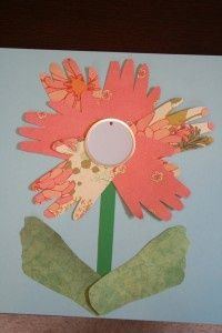 Mother's Day Craft For Toddlers – Hand and Foot Print Flower @ DIY Home Ideas