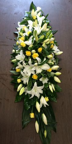 Rose and Lily Coffin Spray Funeral Floral Arrangements, Tropical Flower Arrangements, Creative Flower Arrangements, Flower Arrangement Designs, Church Flower Arrangements, Casket Flowers, Funeral Flowers, Funeral Caskets, Contemporary Flower Arrangements