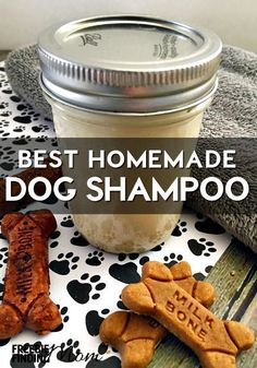 Is your dog stinking or maybe your furry family member has dry, itchy skin? Whip up this easy four ingredient recipe for the best homemade dog shampoo. This all natural oatmeal dog shampoo contains no harmful chemicals or toxins and will leave your dog fr Homemade Dog Shampoo, Homemade Dog Treats, Diy Pet Shampoo Dogs, Doggie Treats, Best Dog Shampoo, Homemade Oatmeal, Homemade Facials, Puppy Shampoo, Homemade Conditioner