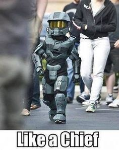 Like a chief! Adorable child Master Chief cos-play!