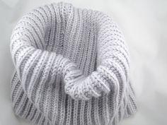 #ohrwärmer #stirnband# merinowool#stricken# beadsembroidery# #stickerei #kopfschmuck#merinowool#stricken#frost #woolhat #wollmütze #wolle#schal #schalstricken #i_loveknitting