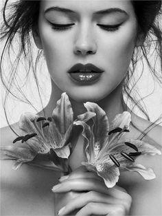 Use fragrant flowers and perfume bottle  mazalica46