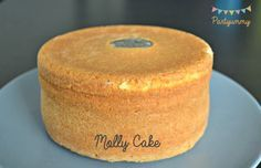Wedding Cake Recipes 653444227154027269 - Le molly cake inratable, trucs et astuces Source by Macaroon Cake, Gravity Cake, Angel Cake, Chiffon Cake, Love Cake, Sweet Cakes, Fondant Cakes, Cakes And More, Cake Designs