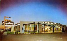 Google Architecture, Architecture Photo, Diner Restaurant, Vintage Restaurant, Vintage Diner, Googie, Modern Buildings, Vintage Pictures, Signage