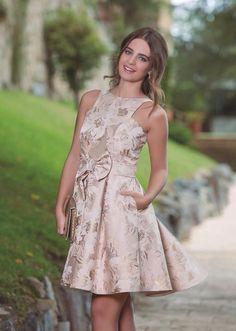 6b0871d12d A(z) 12 legjobb kép a(z) Carla Ruiz dresses táblán | Bridal gowns ...