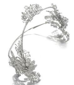 A very unusual diamond floral headband by Cartier, 1930.