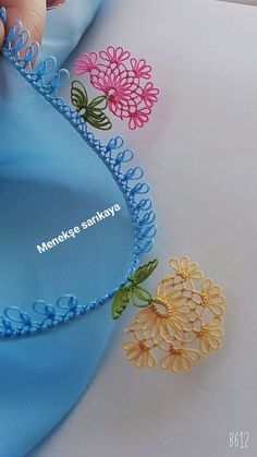 Embroidery Jewelry, Crewel Embroidery, Thread Art, Needle And Thread, Hand Embroidery Patterns Flowers, Diy And Crafts, Arts And Crafts, Crochet Borders, Tatting Lace