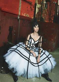 Katy Perry in Comme des Garçons for her Vogue cover shoot. Photographed by Mert Alas and Marcus Piggott, styled by Grace Coddington, Vogue, May 2017.