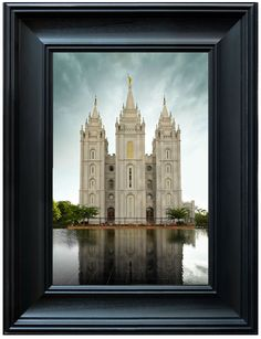 (http://ldsartco.com/salt-lake-temple-reflection/)